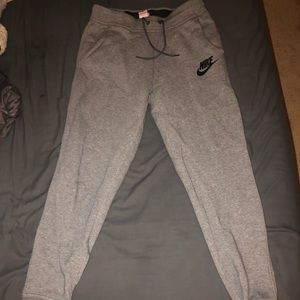 Women's Nike Grey Sweatpants Size MED